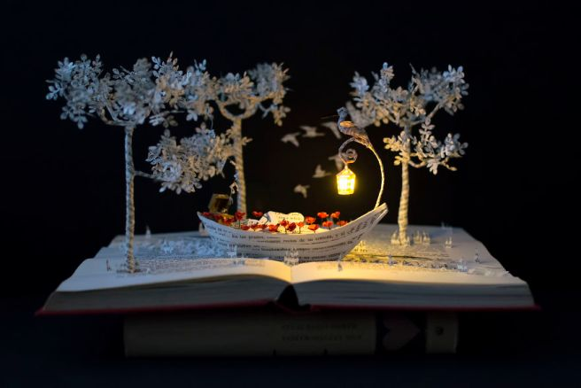 book-sculptures-are-my-pation-i-work-with-paper-to-create-elaborated-forms-57f312f070ff7__880