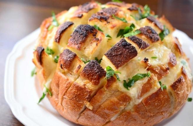 garlic_bread_740_486_s_c1.jpg
